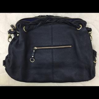 Beaureのハンドバッグ