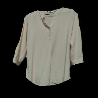 このコーデで使われているUNIQLOのシャツ/ブラウス[ピンク]