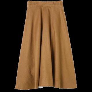 このコーデで使われているAdam et Rope'のミモレ丈スカート[キャメル]