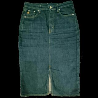 このコーデで使われているSOMETHING ViENUS JEANのタイトスカート[ネイビー]