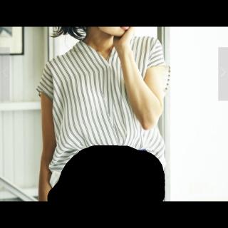このコーデで使われているYECCA VECCAのシャツ/ブラウス[ホワイト]