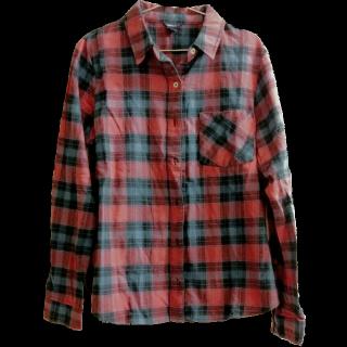 このコーデで使われているFOREVER 21のシャツ/ブラウス[ブルー/レッド]