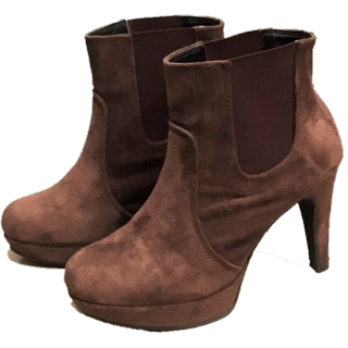 LASUDのブーツ