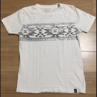 このコーデで使われているBAYFLOWのTシャツ/カットソー[ホワイト]