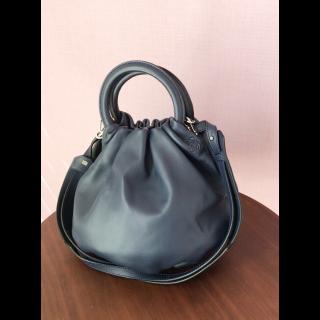 LOEWEのハンドバッグ