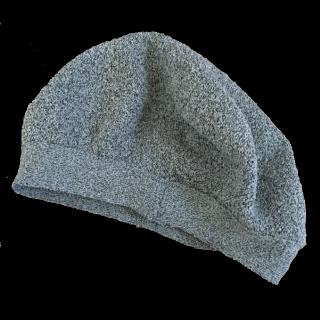このコーデで使われているikkaのベレー帽[グレー]