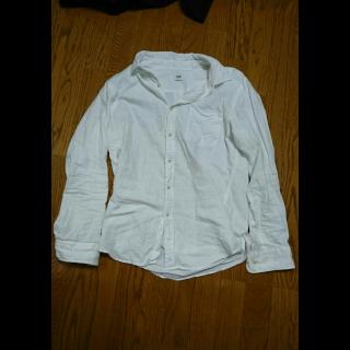 このコーデで使われているUNIQLOのポロシャツ[ホワイト]