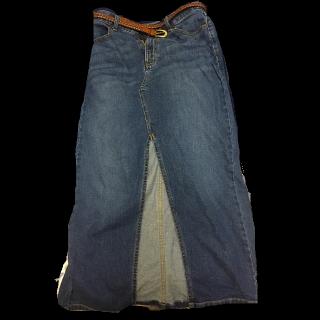 このコーデで使われているGUのデニムスカート[ネイビー]