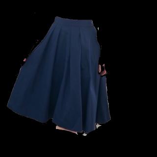このコーデで使われているROPE' PICNICのひざ丈スカート[ネイビー]