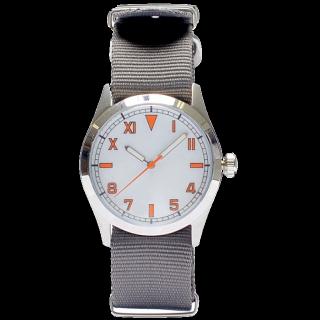 このコーデで使われているBEAMSの腕時計[グレー]