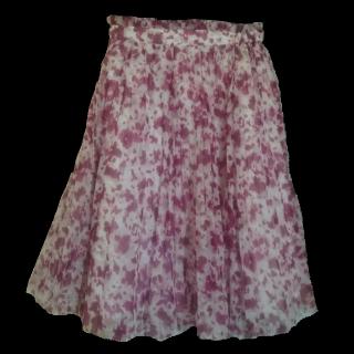 このコーデで使われているPROPORTION BODY DRESSINGのプリーツスカート[ホワイト/レッド]