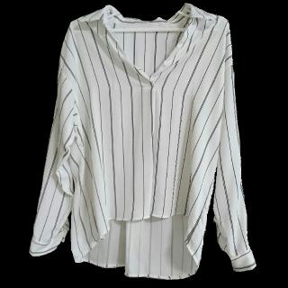 このコーデで使われているINGNIのシャツ/ブラウス[ホワイト]