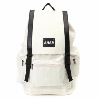 このコーデで使われているANAPのリュック[ホワイト]