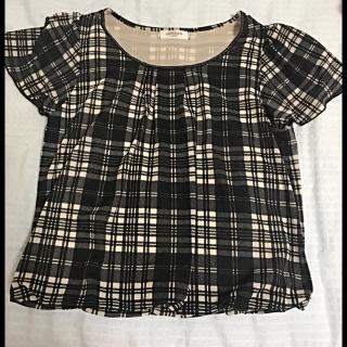 このコーデで使われているOFUONのTシャツ/カットソー[ブラック/ホワイト]