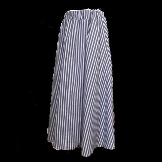 このコーデで使われている手作りのマキシ丈スカート[ブルー/ホワイト]