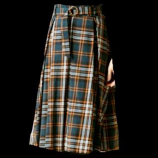 このコーデで使われているClear Impressionのミモレ丈スカート[ホワイト/グリーン/オレンジ]