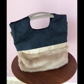 Bou Jeloudのハンドバッグ