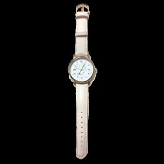 このコーデで使われている腕時計[ベージュ]