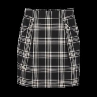 このコーデで使われているJEANASISのタイトスカート[ブラック]