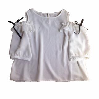 このコーデで使われているAvailのTシャツ/カットソー[ホワイト]