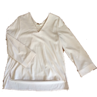 このコーデで使われているsnidelのシャツ/ブラウス[ベージュ]