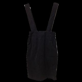 このコーデで使われているLOWRYS FARMのジャンパースカート[ブラック]