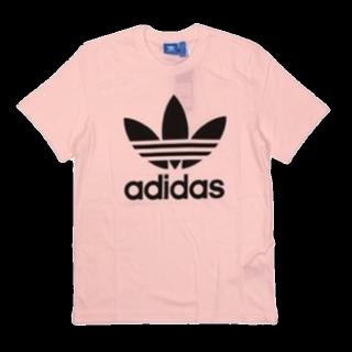 このコーデで使われているadidasのTシャツ/カットソー[ピンク]