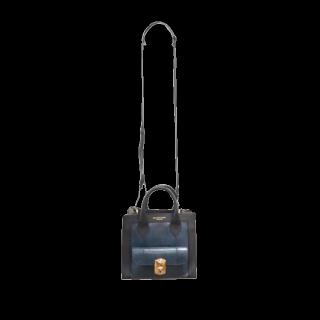 このコーデで使われているBALENCIAGAのショルダーバッグ[ブラック/ネイビー]