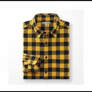 このコーデで使われているUNIQLOのシャツ/ブラウス[イエロー]