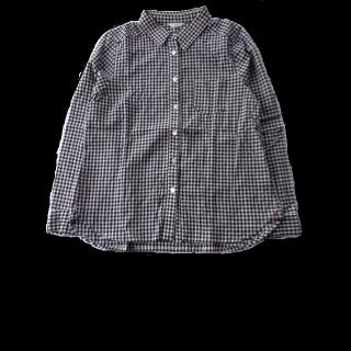 このコーデで使われているシャツ/ブラウス[ブラック/ホワイト]