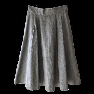 このコーデで使われているGUのスカート[グレー]