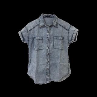 このコーデで使われているINGNIのシャツ/ブラウス[ブルー]