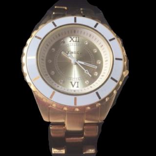 このコーデで使われているriendaの腕時計[ゴールド/ホワイト]