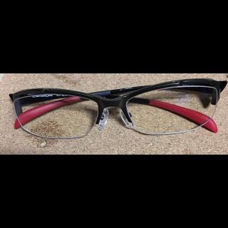 このコーデで使われているCoolensのメガネ[ブラック]
