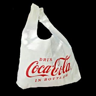 このコーデで使われているCoca Colaのトートバッグ[ホワイト]
