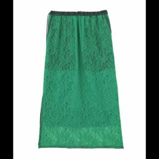 このコーデで使われているelendeekのタイトスカート[グリーン]