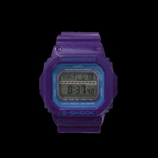 このコーデで使われているG-SHOCKの腕時計[パープル]