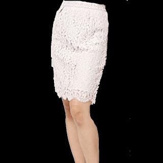 このコーデで使われているJILL by JILLSTUARTのタイトスカート[ホワイト]