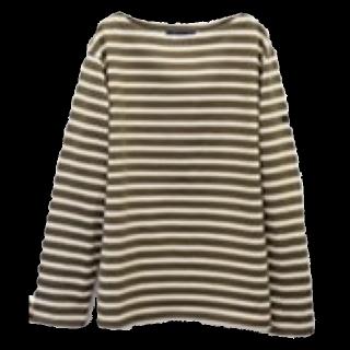 このコーデで使われているETFILのTシャツ/カットソー[カーキ]