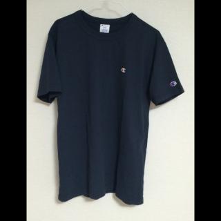 このコーデで使われているChampionのTシャツ/カットソー[ネイビー]