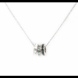 このコーデで使われているGrosseGlaceのネックレス[シルバー/ブルー/ネイビー/ホワイト]
