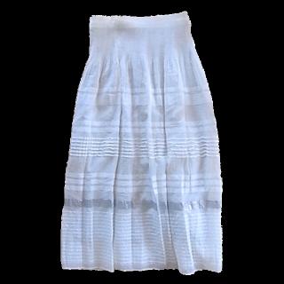 このコーデで使われているMONO COMME CAのスカート[ホワイト]