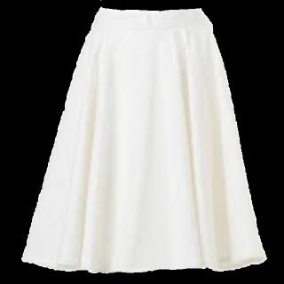 このコーデで使われているUNIQLOのフレアスカート[ホワイト]