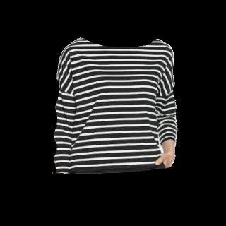 このコーデで使われているBershkaのTシャツ/カットソー[ホワイト/ブラック]