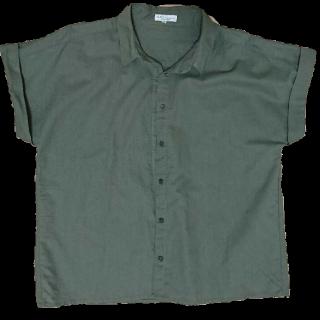 このコーデで使われているearth music&ecologyのシャツ/ブラウス[カーキ]