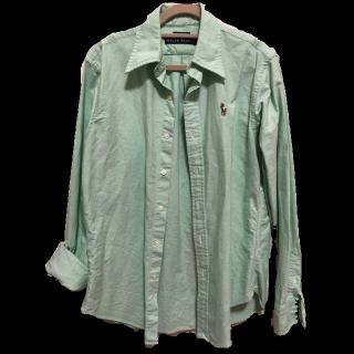このコーデで使われているTOMMY HILFIGERのシャツ/ブラウス[グリーン]