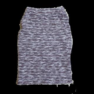 不明のタイトスカート