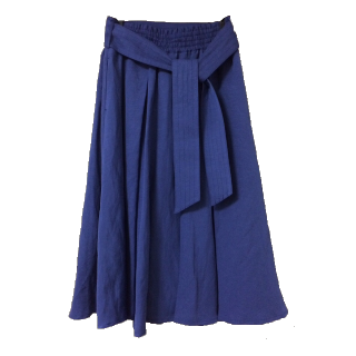 このコーデで使われているgreen label relaxingのフレアスカート[ブルー]
