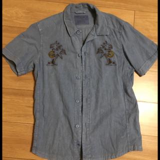 このコーデで使われているBAYFLOWのシャツ/ブラウス[ブルー]