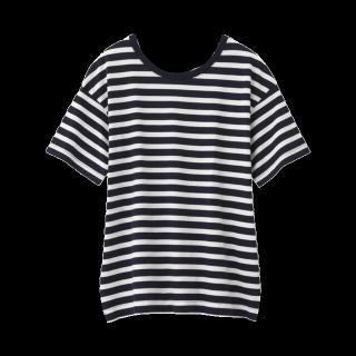 このコーデで使われているGUのTシャツ/カットソー[ネイビー/ホワイト]